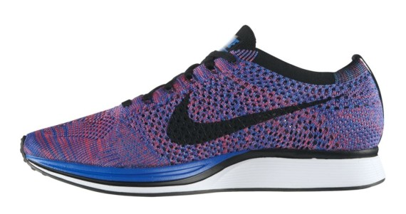nike flyknit racer game royal pink flash 570x301